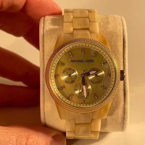 Michale Kors Light Tortoise-style Watch